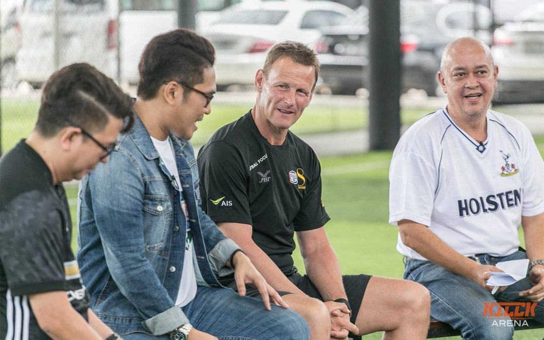 Teddy Sheringham wows Thai fans with Football Focus TV5